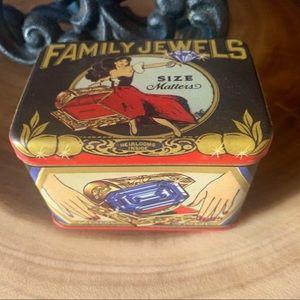 Blue Q family jewels trinket box